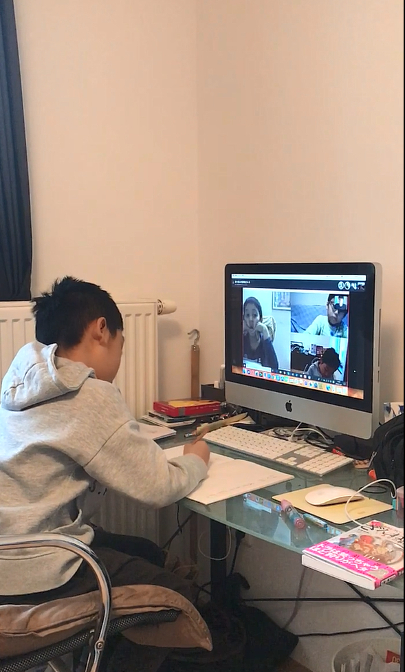 《動画》漢字書きテスト!集中しています。ヨーロッパ2年生コース